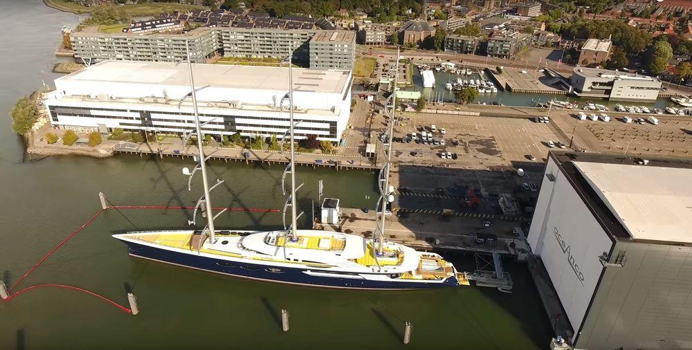 Solar-yacht-Y712-Oceanco-side-top-view-BW