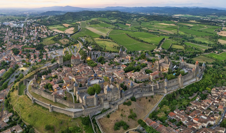 1920px-1_carcassonne_aerial_2016.jpg