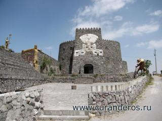 Экватор, Эквадор, Замок Солнца
