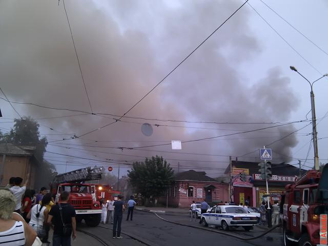 Пожар около ТЦ Республика. Нижний Новгород, 13.08.2011