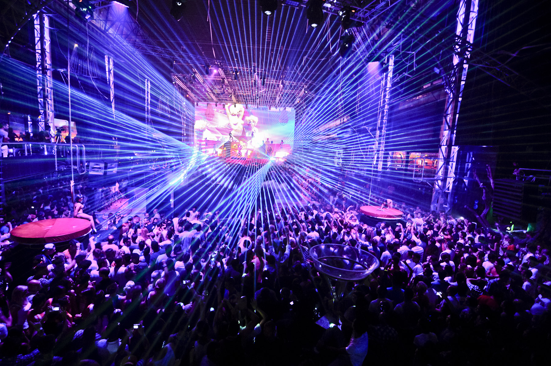 этого лучшие вечеринки в клубах в мире видео охреневаю