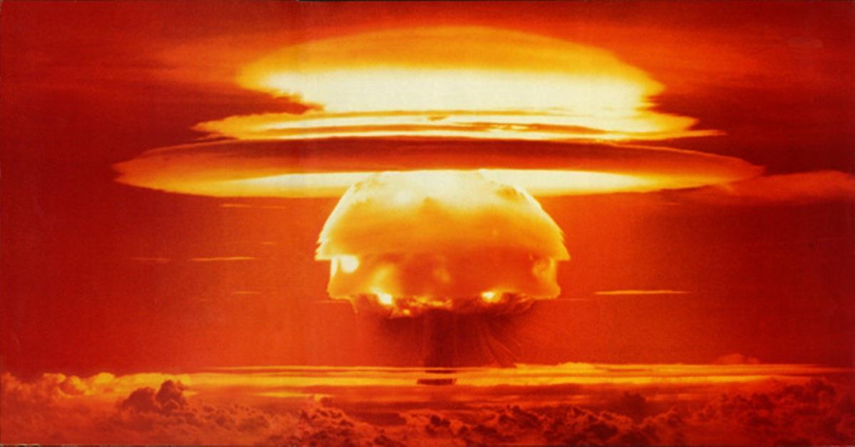 atom-bomb-blast
