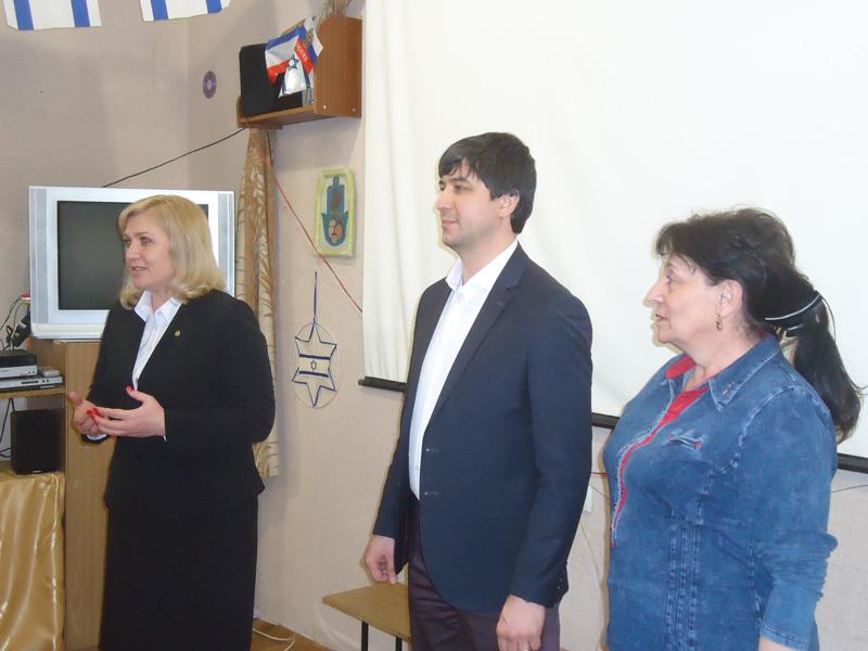 12_feodosiya_-_sleva-napravo_svetlana_gevchuk-_lenur_abduramanov-_elena_kriulko