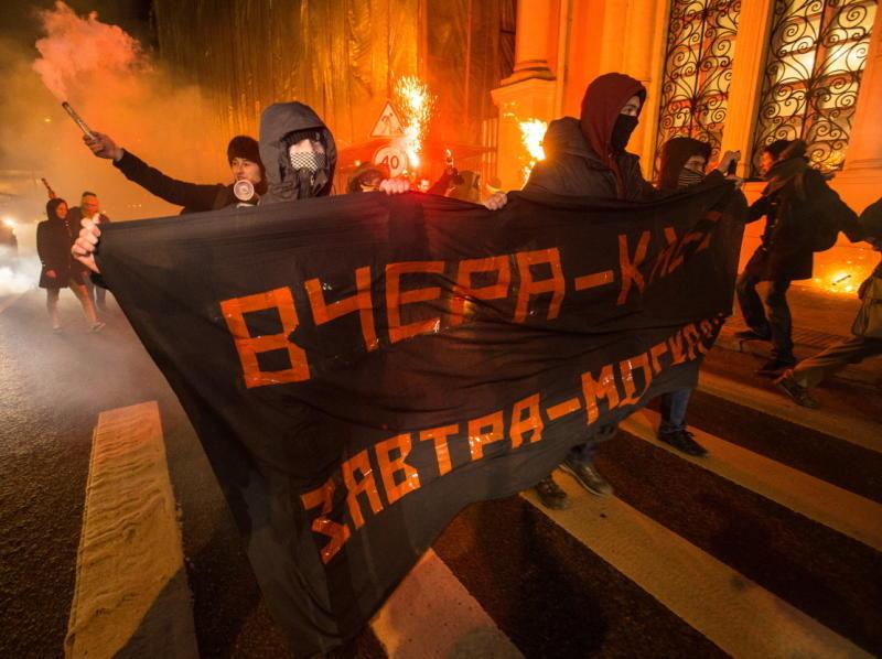 Азаров об украинских нацистах