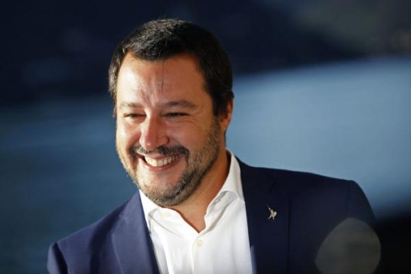 Вице-премьер Италии назвал «майдан» фейковой революцией и признал крымский референдум