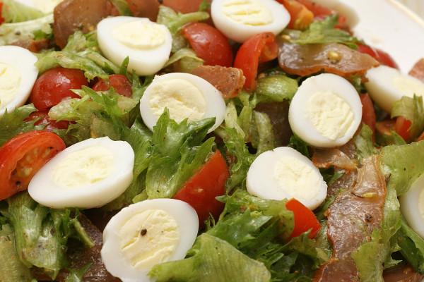 Как приготовить салат с карпаччо из курицыгрибы порежьте тоже мелко, добавьте к луку.
