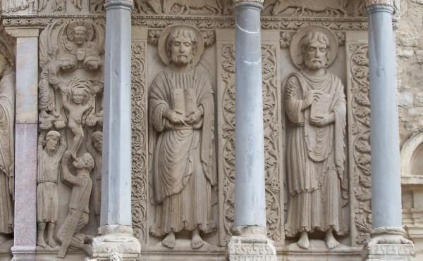 004-apostles