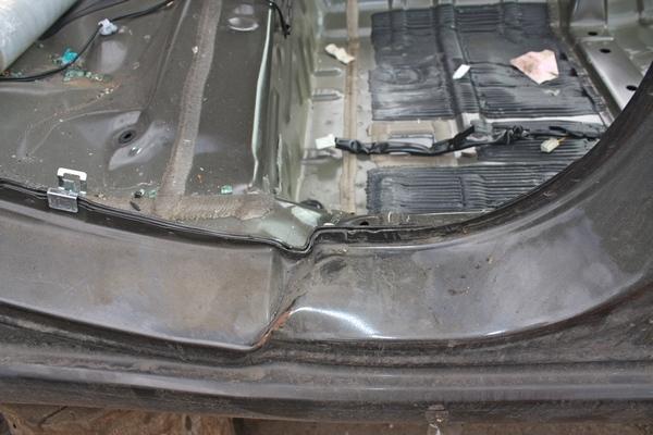 Пример повреждения силового каркаса кузова.JPG