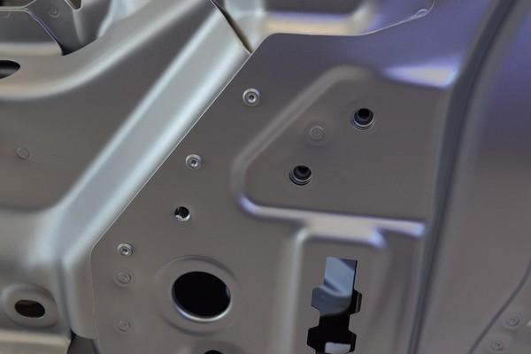 Элемент кузова автомобиля Jaguar_2.jpg
