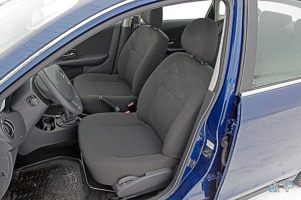 2-Nissan-Almera.jpg