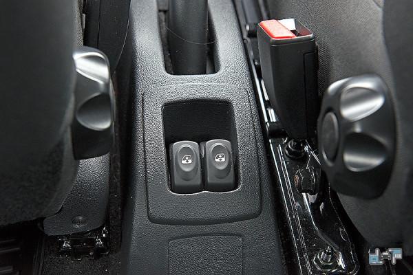 6-Nissan-Almera.jpg