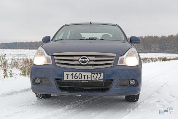 18-Nissan-Almera.jpg