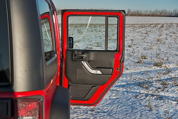 19-jeep-wrangler.jpg