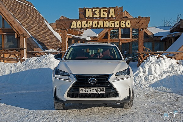 3-lexus-nx-зима.jpg
