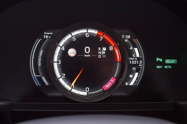 Lexus_LC500_18.jpg