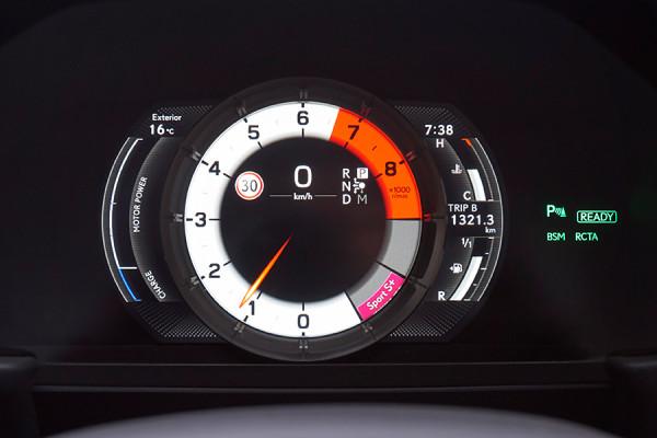 Lexus_LC500_19.jpg