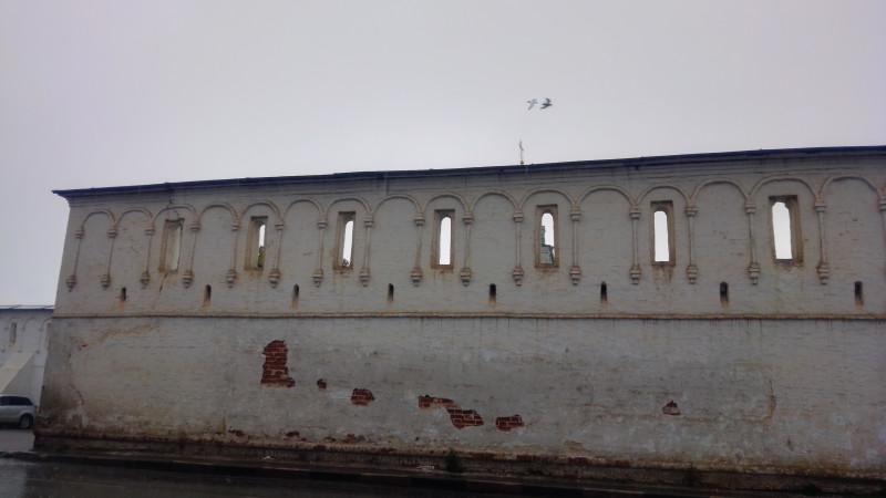 Стена Александровского кремля