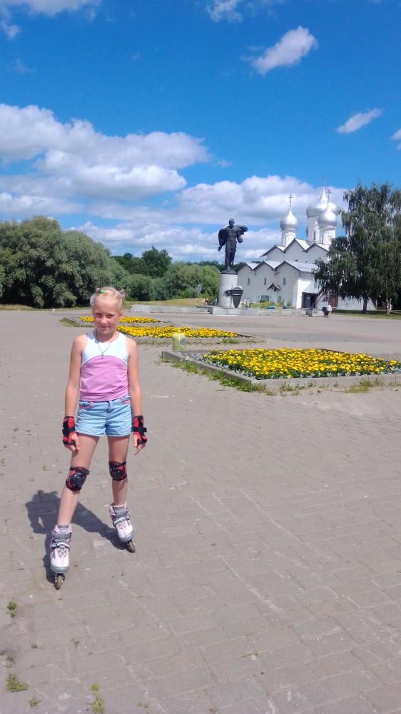 Памятник Александру Невскому на набережной