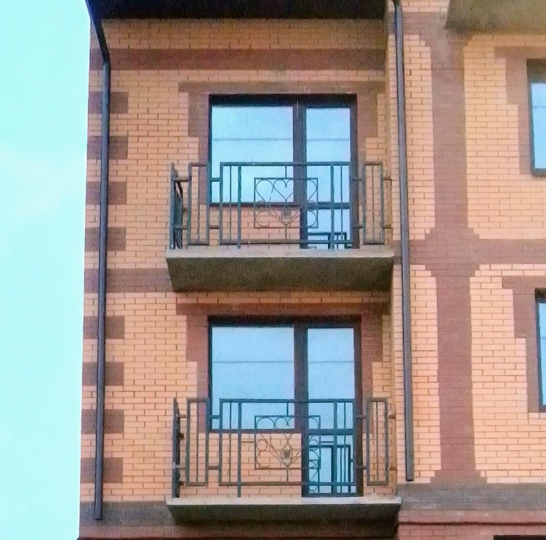 Результат - балконное ограждение в многоквартирном доме