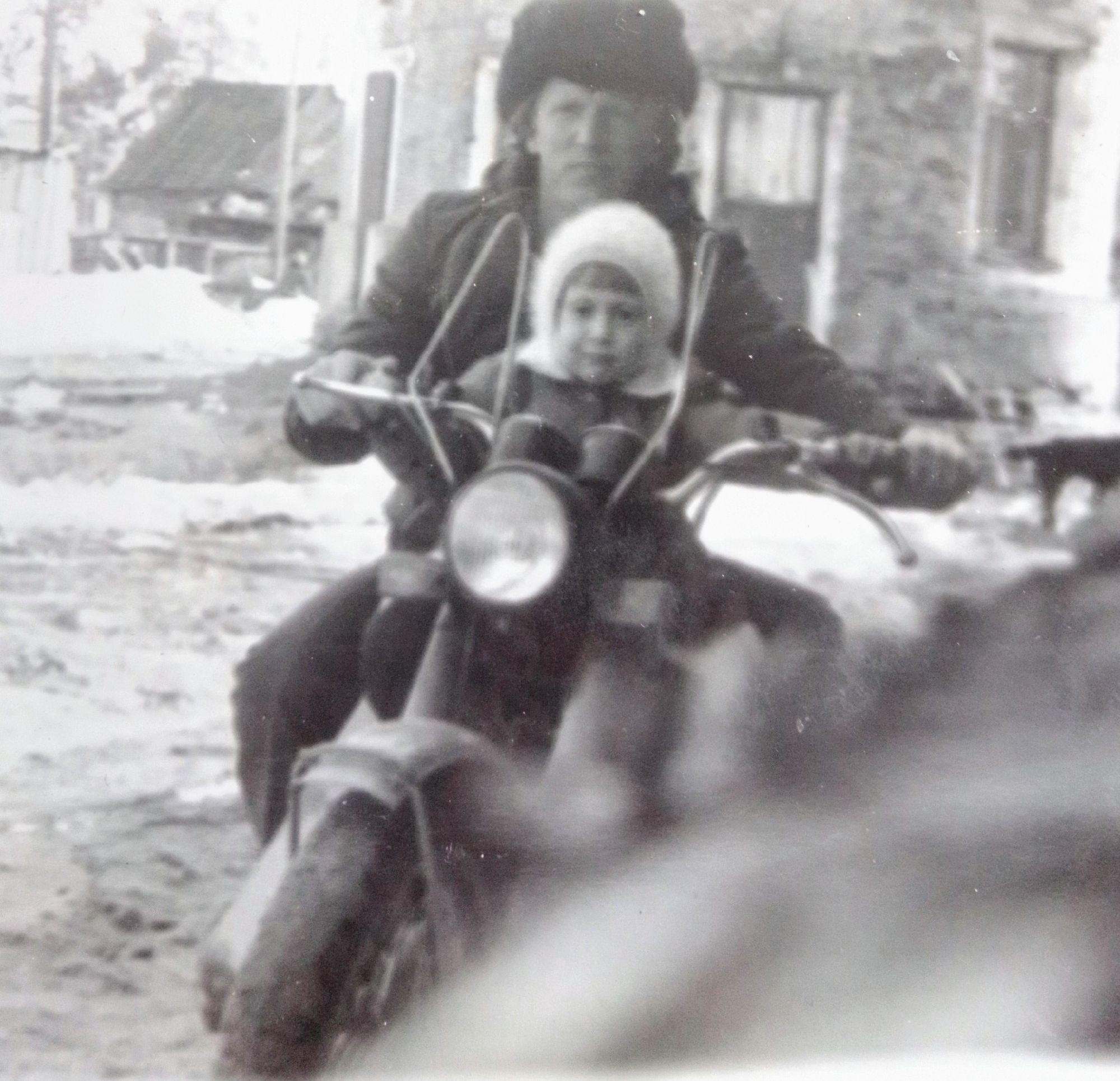 С папой на мотоцикле