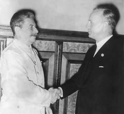 Рукопожатие Сталина и Риббентропа