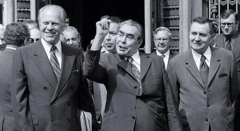 Слева направо: президент США Джеральд Форд, Леонид Брежнев, Борис Иванов, Андрей Громыко. Хельсинки, 1975 год.
