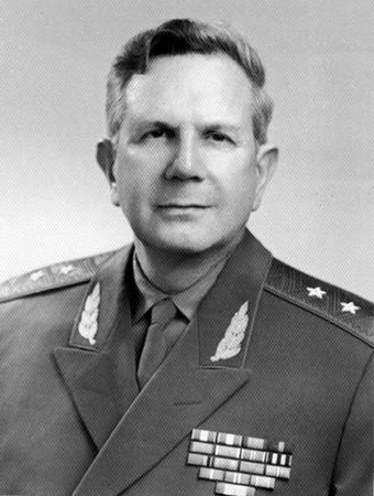 генерал-лейтенант Борис Иванов - ближайший соратник Евгения Питовранова