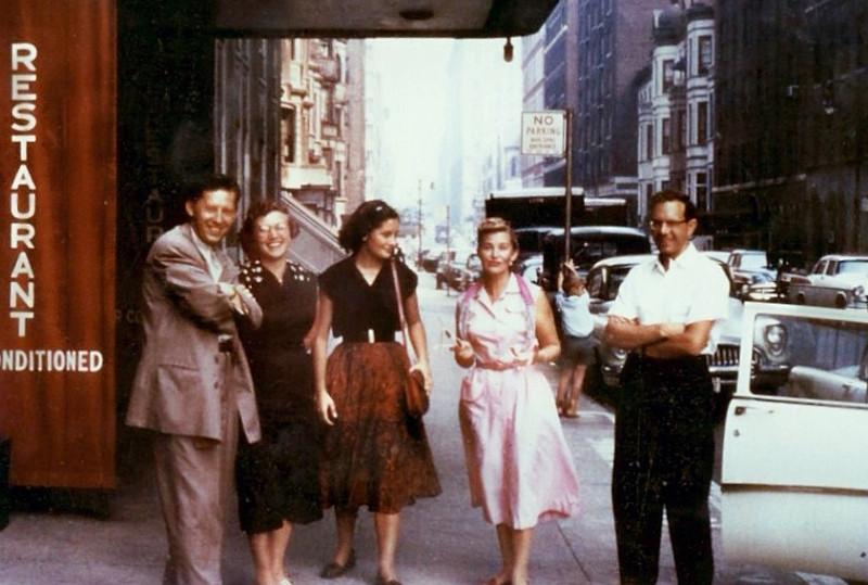 Борис Иванов (крайний справа) в Нью-Йорке, 1955 год.