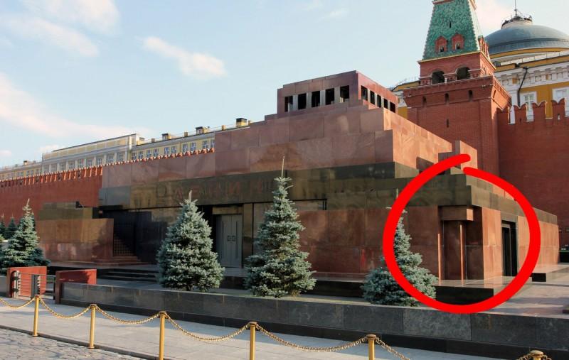 """Знаменитый """"тройной"""" (северный) угол мавзолея"""