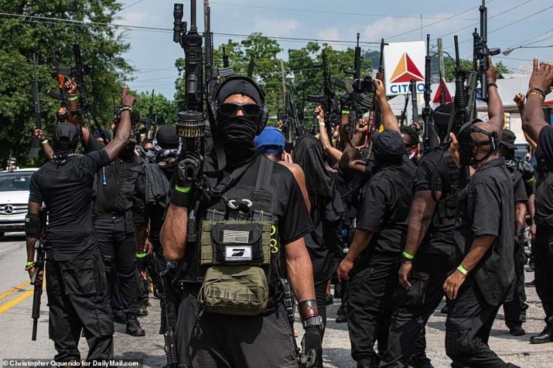 """митинг """"Чёрных Пантер"""" в США"""