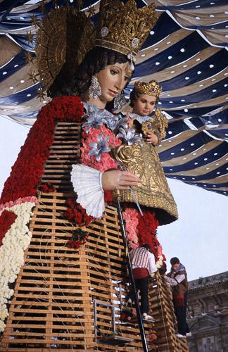 http://ic.pics.livejournal.com/avaharu/8772813/32863/32863_original.jpg