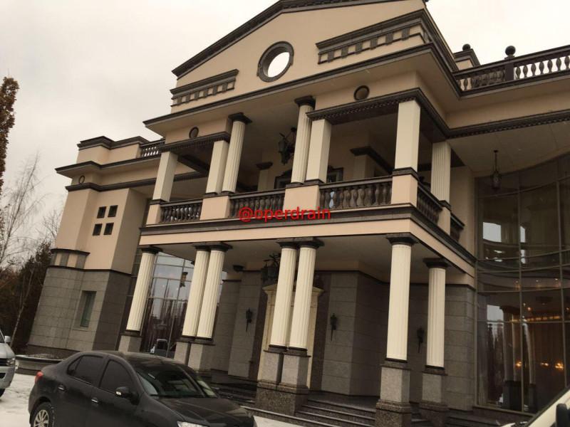 Апартаменты министра образования РД Шахабаса Шахова.