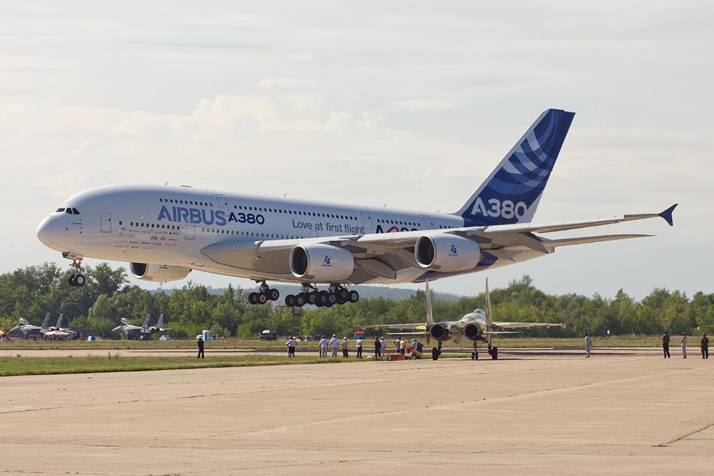 _1128_A380_land