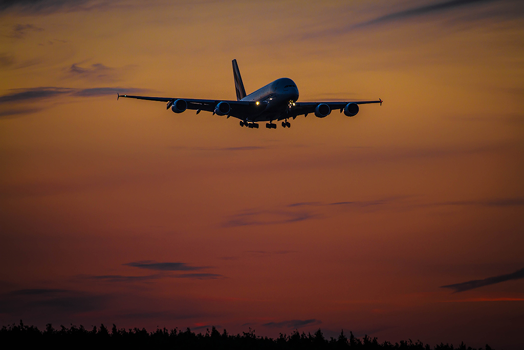 A380_flies_to_Russia