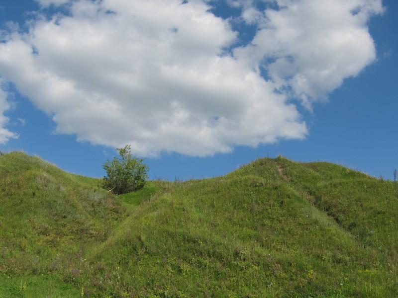 Пятницкие холмы переходят в половецкие, где граница -? может, здесь )