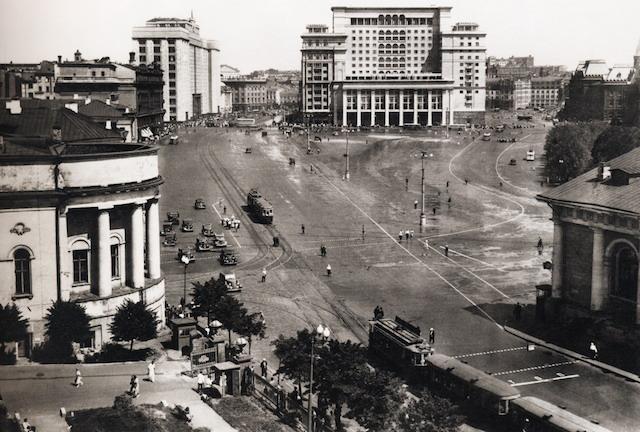 манежная-1930