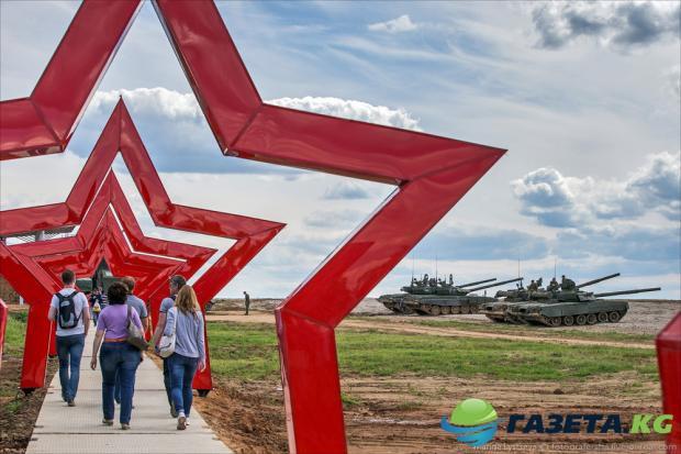 moskovskih-starsheklassnikov-sgonyat-na-vypusknoy-vecher-v-park-minoborony-patriot_1