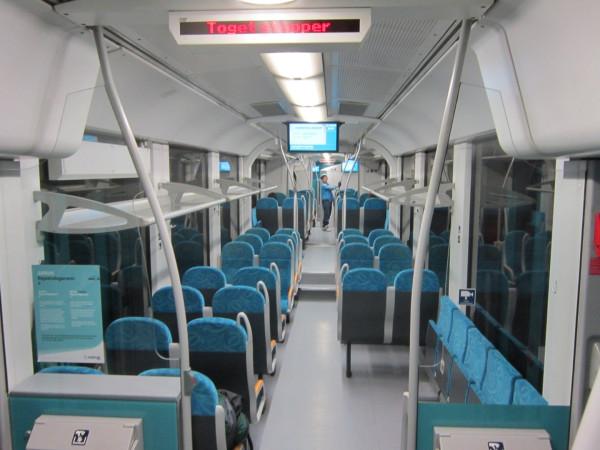07_Arriva_Train_Interior.jpg