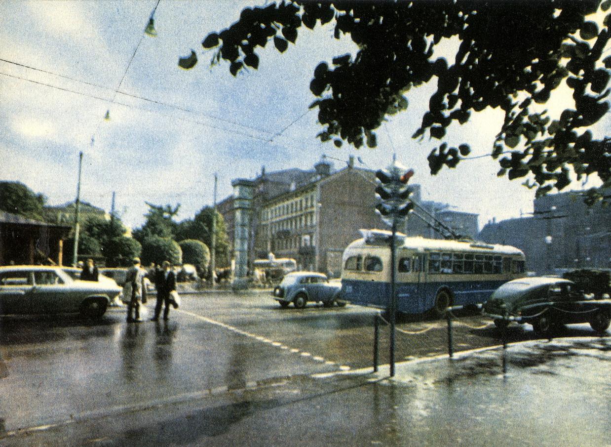Riga - Perekrestok ulitsy Lenina i bulvara Padomyu_resize
