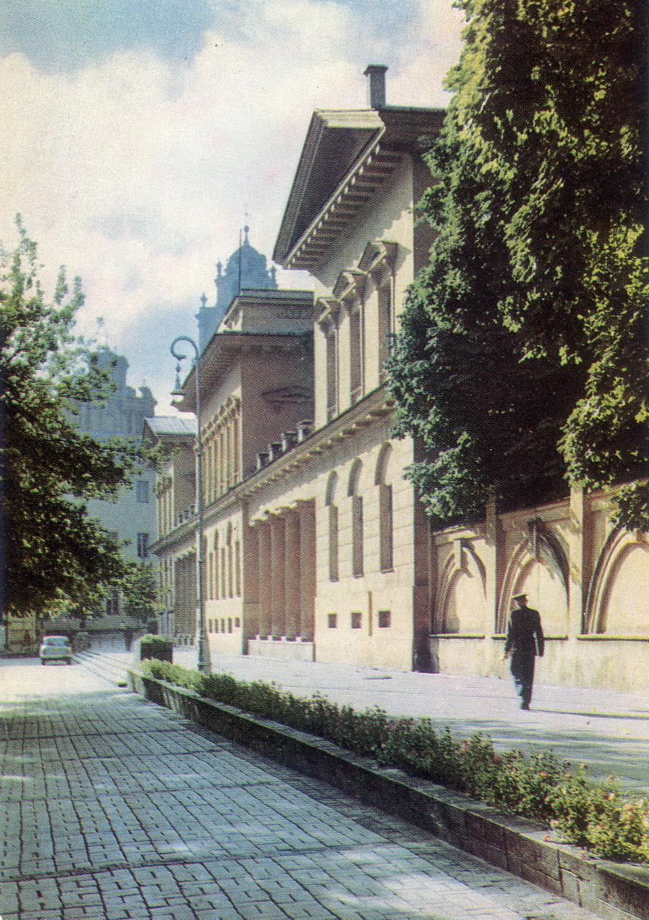 Litva - Vilnus. Dom ofitserov_resize