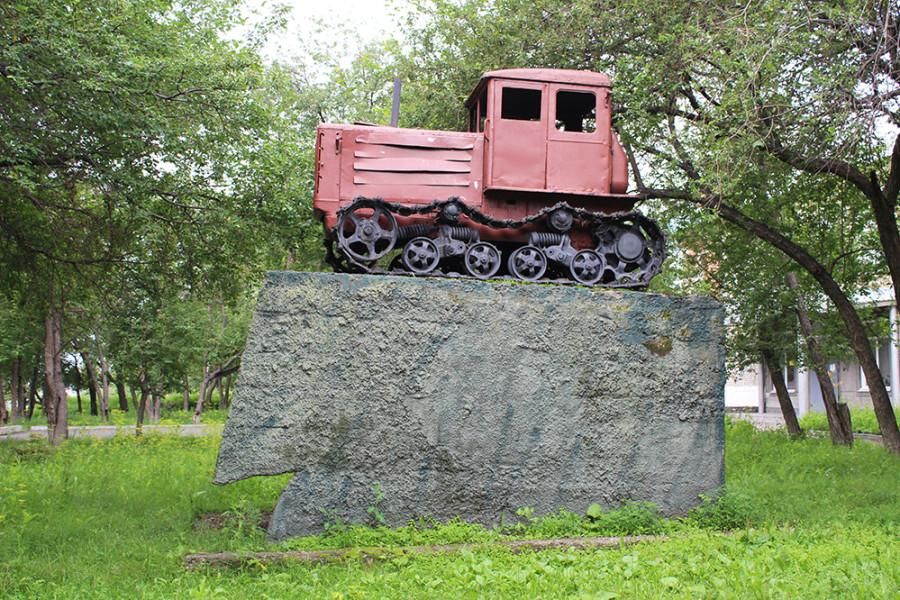 Трактор в Камне-на-Оби