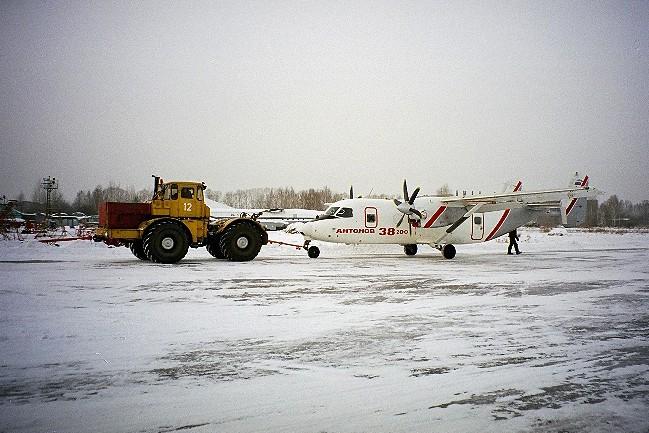2-An-38-200-first-flight-2