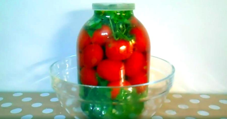 Смотри как сделать ПОМИДОРЫ квашеные (соленые) в 3-литровой банке на ЗИМУ
