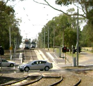 Z3 trams cross near Elliot Ave