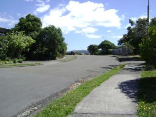 A walk uphill in Papakowhai, VI