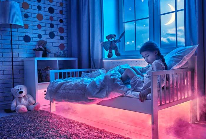 Все дети обладают природной способностью действовать телом сновидения в реальном мире. Но мировоззрение взрослых не содержит этой стороны жизни, и когда ребенок его перенимает, эта способность атрофируется.