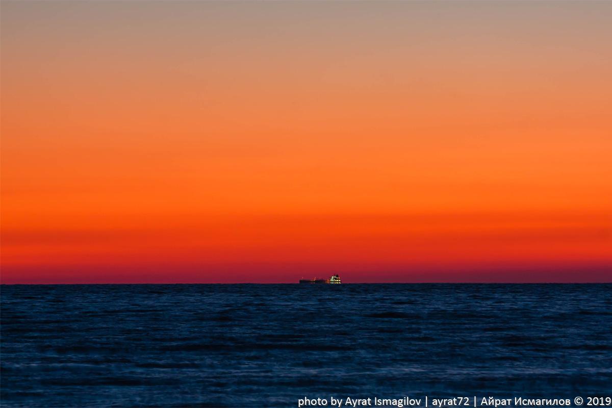 Скала Парус на закате 01_black_sea_sunset.jpg