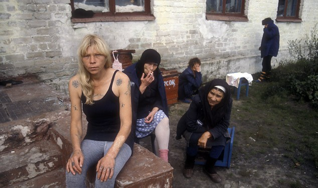 девушки в женской тюрьме