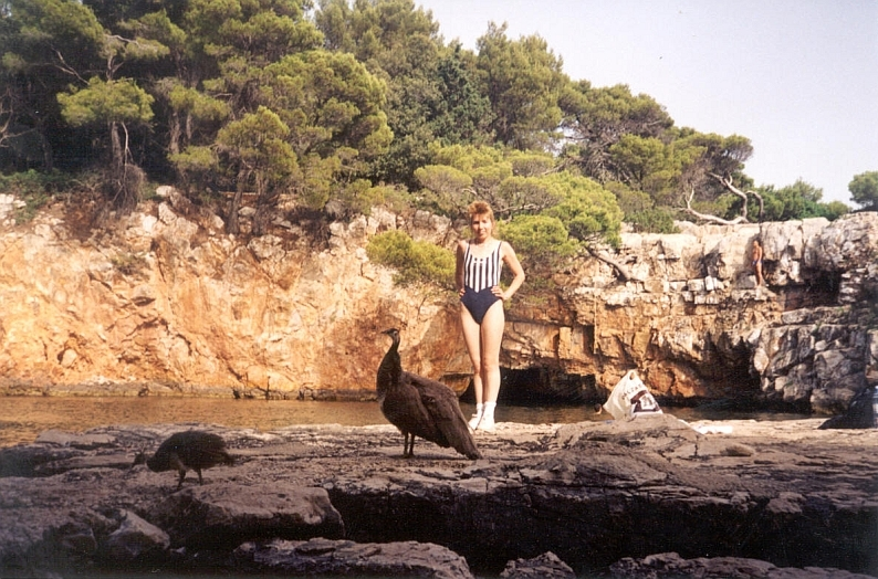 Lena na ozere ostrova Lokrum