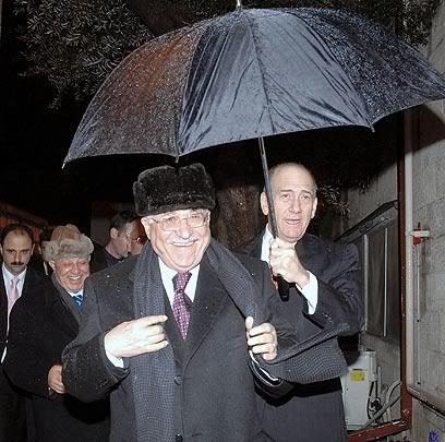 Olmert-Abu-Mazen-3_wa